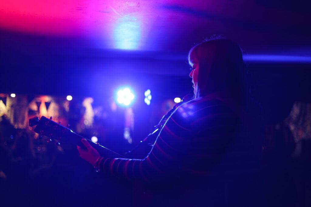 Picture of singer guitarist
